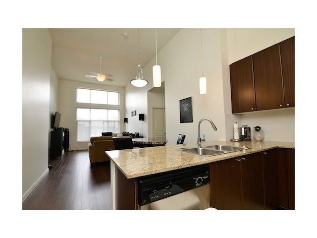 # 413 2477 KELLY AV - Central Pt Coquitlam Apartment/Condo for sale, 2 Bedrooms (V1060217) #1
